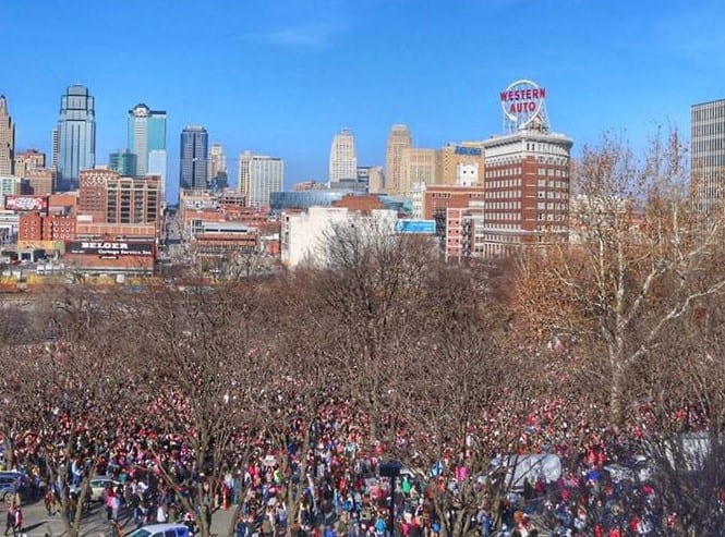 Crowd that gathered in KC for the women's march