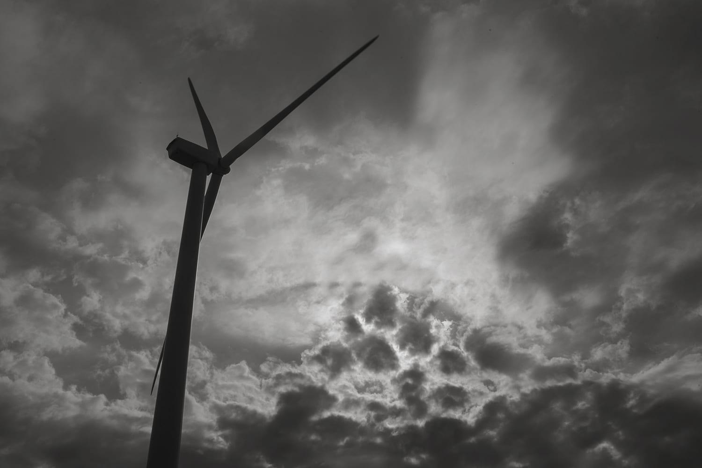 A turbine on the Rolling Hills Wind Farm in Wilson, Kansas. (Brad Austin | Flatland)