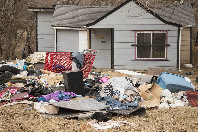 trashy yard in Marlborough